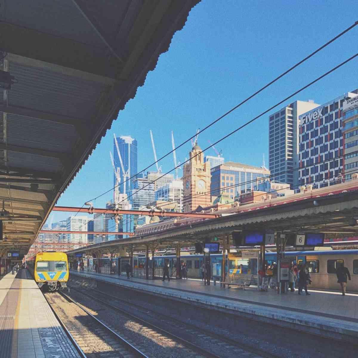 Melbourne-train